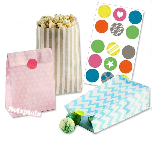 9 Geschenktütchen mit Druck plus 15 Sticker, 21cm x 12cm x 6cm, Blockbodenbeutel
