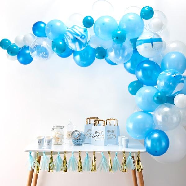 Ballongirlande mit 70 Ballons in weiß & blau