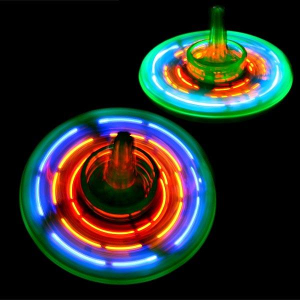 LED-Kreisel mit tollem Lichtspiel, absolutes Highlight mit Knopf, 4cm