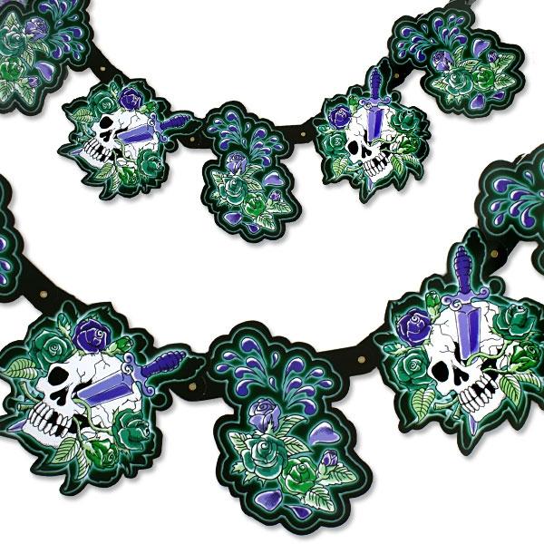 Skull Partykette mit grusligen Totenköpfen, 1,8m, ideal für Halloween