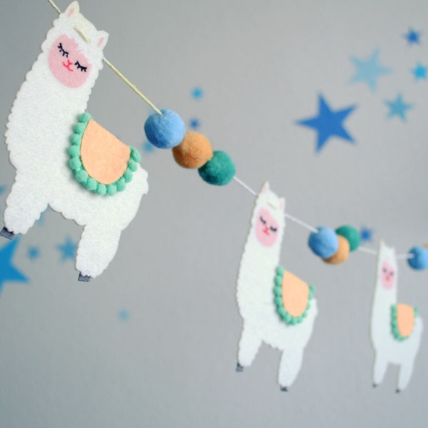 "Girlande ""Lama"" aus Filz, 1 Stück, 1,2m"