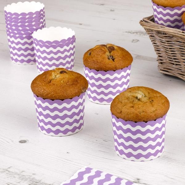 Muffinförmchen mit lila Wellen, 24 Stück
