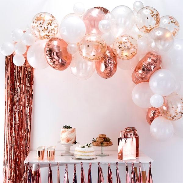 Ballongirlande mit 70 Ballons in weiß & rosegold