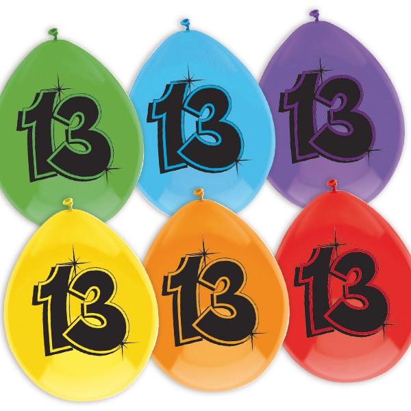 """Luftballons, bedruckt mit der Zahl """"13"""""""