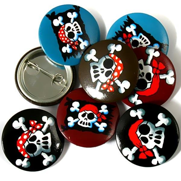 Mini-Buttons Jolly Roger, 8er, 2,5cm, Kinder-Anstecker mit Piratenflagge
