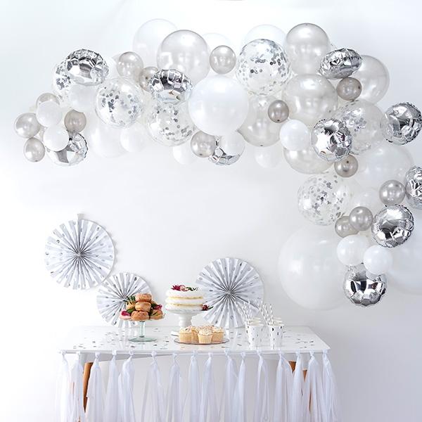 Ballongirlande mit 70 Ballons in weiß & silber