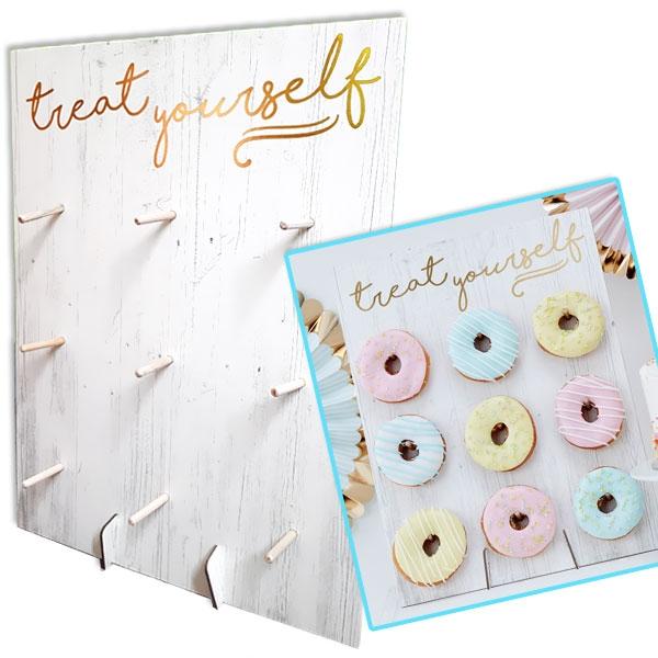 "Treat Yourself Donut Wand, witzige ""Etagere"", Holzoptik, 32cm x 42cm"